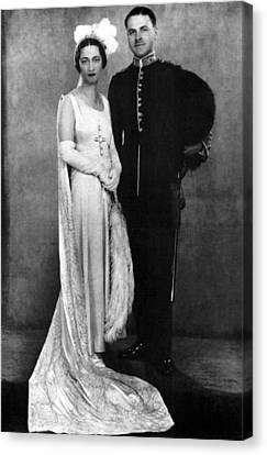 Duchess Of Windsor (1896-1986) Canvas Print by Granger