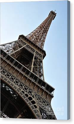 Canvas Print featuring the photograph Eiffel Tower by Joe  Ng