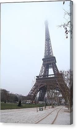 Eiffel Tower - Paris France - 011313 Canvas Print by DC Photographer