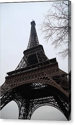 Eiffel Tower - Paris France - 01132 Canvas Print