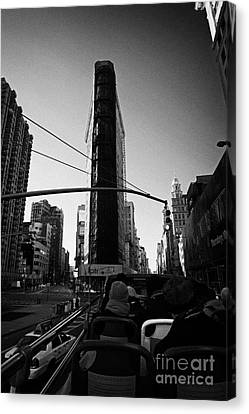 Flatiron Building On Broadway 23rd Street And 5th Avenue New York City Canvas Print by Joe Fox