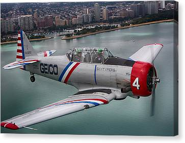 Geico Skytypers Canvas Print by Jerome Lynch