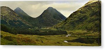 Glen Etive Highlands Of Scotland Canvas Print by Jane McIlroy