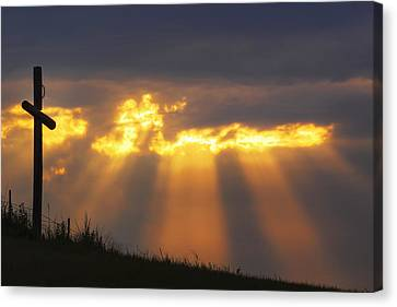 Canvas Print featuring the photograph Glorious Sunrise by Rob Graham