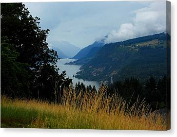 Gorgeous Gorge Canvas Print by Mamie Gunning