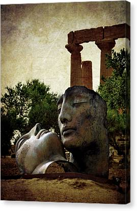 'hermanos' In The Valley Of The Temples Canvas Print