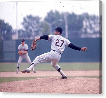 Juan Marichal Canvas Print by Retro Images Archive