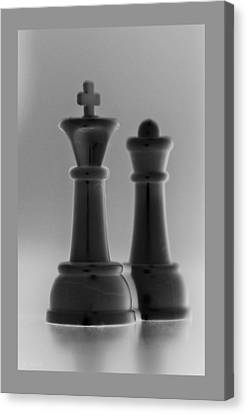 King And Queen In Black And White Canvas Print by Rob Hans