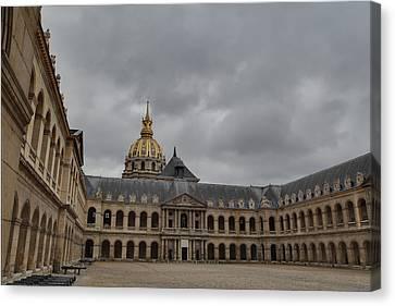 Les Invalides - Paris France - 011318 Canvas Print by DC Photographer