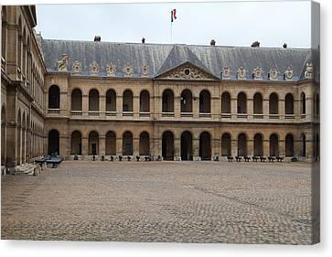 Les Invalides - Paris France - 01137 Canvas Print by DC Photographer