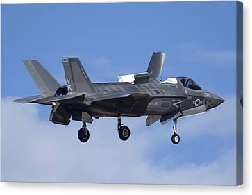 Lockheed-martin F-35b Lightning 2 Buno 168720 Luke Air Force Base December 10 2013 Canvas Print by Brian Lockett
