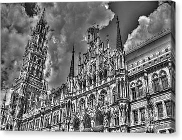 Marienplatz In Munich Canvas Print by Joe  Ng
