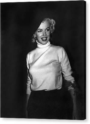 Marilyn Monroe In Korea Canvas Print by Underwood Archives