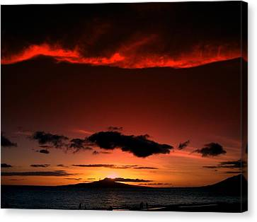 Canvas Print featuring the photograph Maui Sunset by Ron Roberts