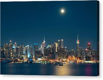 Moon Rise Manhattan Canvas Print