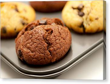 Canvas Print featuring the photograph Muffins by Fabrizio Troiani