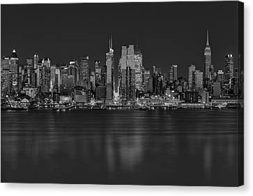 New York City Comes Alives At Sundown Canvas Print by Susan Candelario