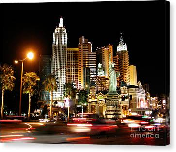 Canvas Print featuring the photograph New York Minute by Stuart Turnbull
