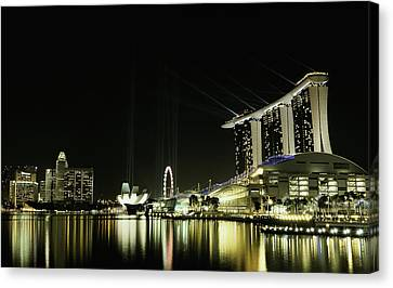 Night In The City Canvas Print by Hardibudi