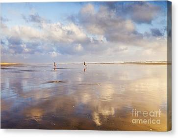 Ninety Mile Beach Northland New Zealand Canvas Print by Colin and Linda McKie