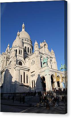 Outside The Basilica Of The Sacred Heart Of Paris - Sacre Coeur - Paris France - 01134 Canvas Print by DC Photographer