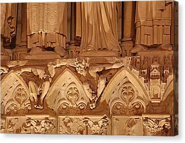 Paris France - Notre Dame De Paris - 01137 Canvas Print by DC Photographer