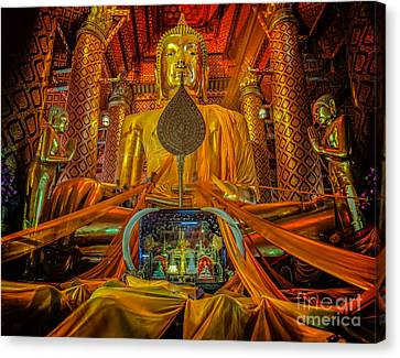 People Work With Cloth On Buddha  Canvas Print