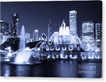 Photo Of Chicago At Night With Buckingham Fountain Canvas Print