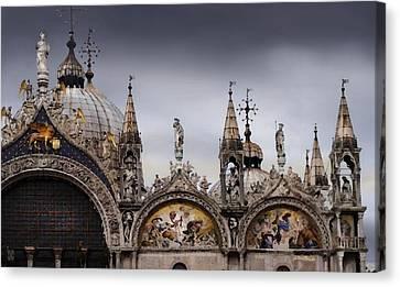 Piazza San Marco Canvas Print by Craig Carl