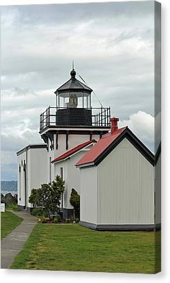 Canvas Print featuring the photograph Point No Point Lighthouse by E Faithe Lester