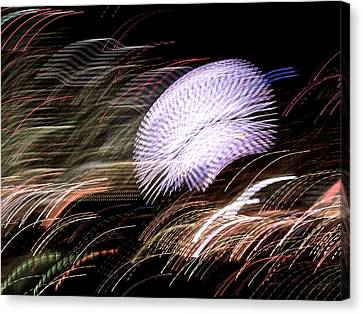 Canvas Print featuring the photograph Pretty Little Cosmo - 8 by Larry Knipfing