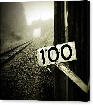 Railway  Canvas Print by Les Cunliffe