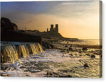 Reculver Sunset Canvas Print by Ian Hufton