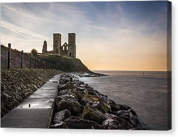 Reculver Towers Canvas Print by Ian Hufton