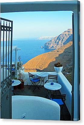 Resting Place In Santorini Canvas Print by Alexandros Daskalakis