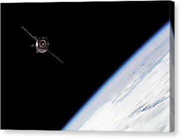 Soyuz Tma-3 Spacecraft Canvas Print
