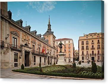 Spain, Madrid, Centro Area, Plaza De La Canvas Print