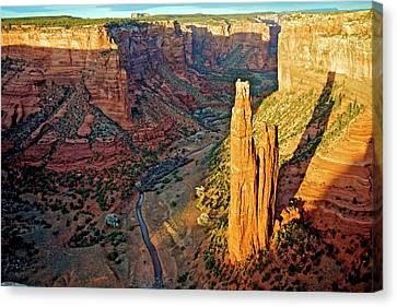Spider Rock In Canyon De Chelly Canvas Print by Richard Wright