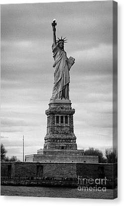 Statue Of Liberty Liberty Island New York City Canvas Print by Joe Fox