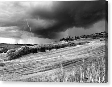Storm Approcing The Tuscan Countryside Canvas Print by Yuri Santin