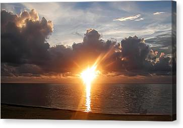 Sunrise In Cancun Canvas Print by Bill Cannon