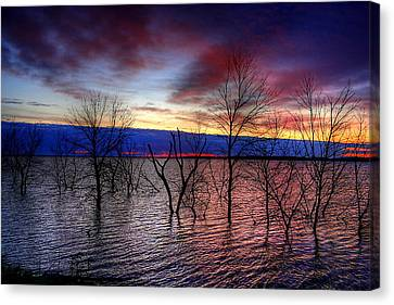 Sunrise On Devils Lake Canvas Print by Larry Trupp