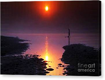 Sunset At Ganga River In The Planes Of Provinces Canvas Print