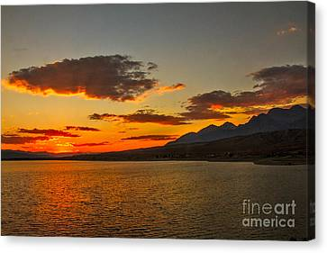 Sunset Over Mackay Reservoir Canvas Print by Robert Bales