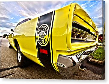 Super Close Super Bee  Canvas Print by Gordon Dean II