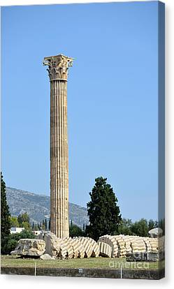 Temple Of Olympian Zeus In Athens Canvas Print by George Atsametakis