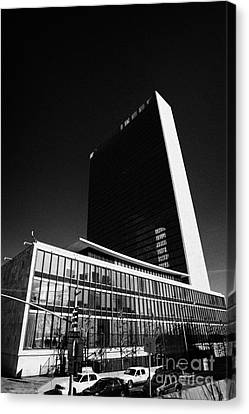 The United Nations Building Not In Session New York City Canvas Print by Joe Fox