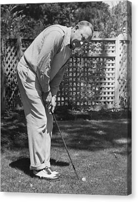 Ty Cobb Golfing At Home Canvas Print by Underwood Archives