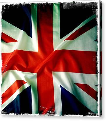 Union Jack Canvas Print by Les Cunliffe