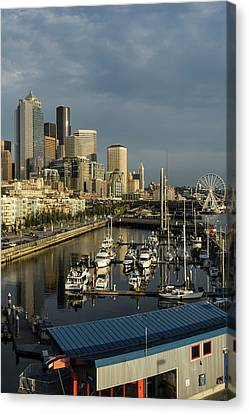 Usa, Washington, Seattle Canvas Print by Charles Crust